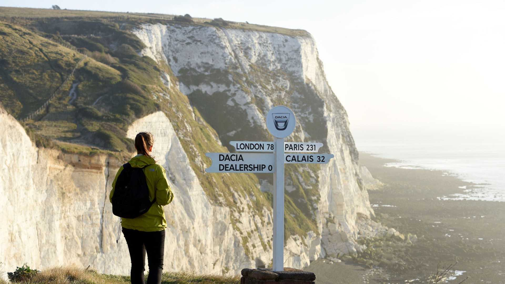 dacia-pop-up-uk-dealerships-at-white-cliffs-of-dover-1